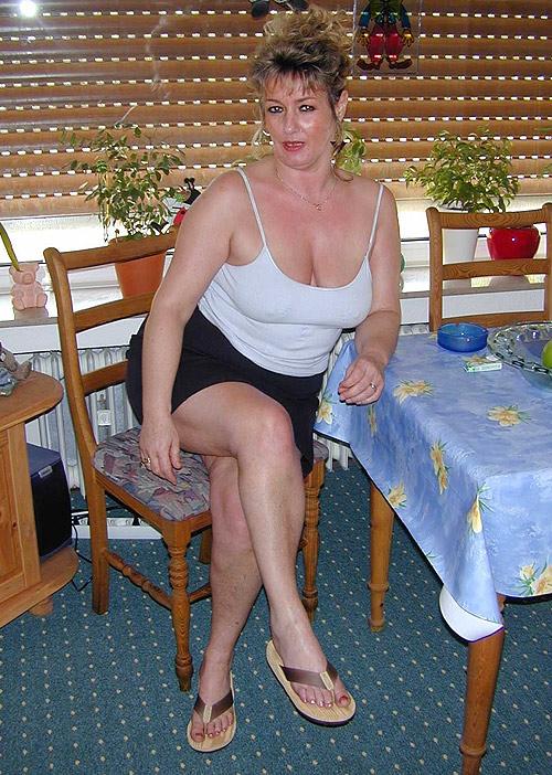 Titten dicken hausfrau mit Spermadusche für